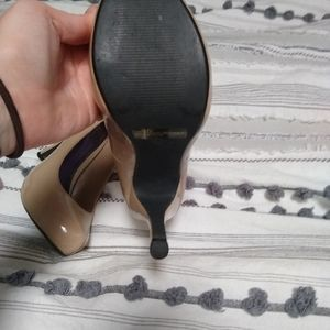 Shi by Journey nude high heel size 9